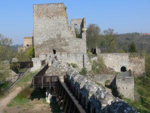 Cornštejn Castle 300x225 Cornštejn – malebná zřícenina u Vranovské přehrady