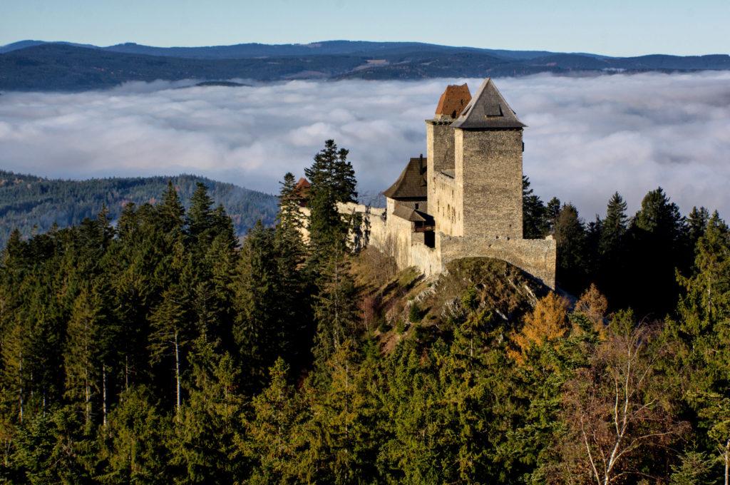 Podzim na Kašperku 1024x680 Královský hrad Kašperk