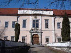 steken 3 300x225 Zavítejte do obce Štěkeň
